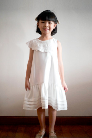 AIMEE WHITE DRESS GIRL (PRE ORDER)