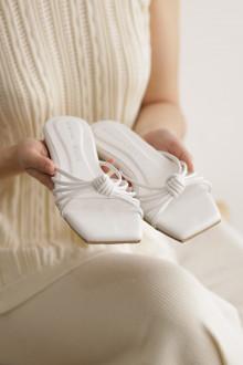 PALOMA SANDALS WHITE